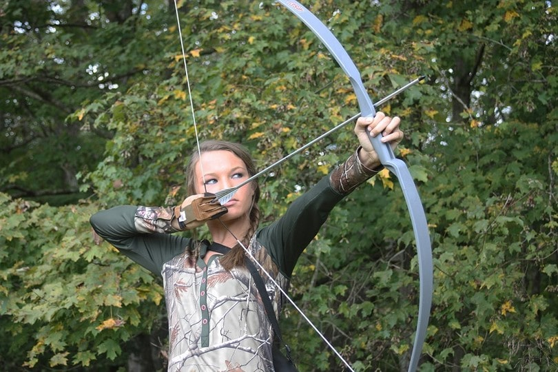 Recurve Bow Hunting - TNT Archery